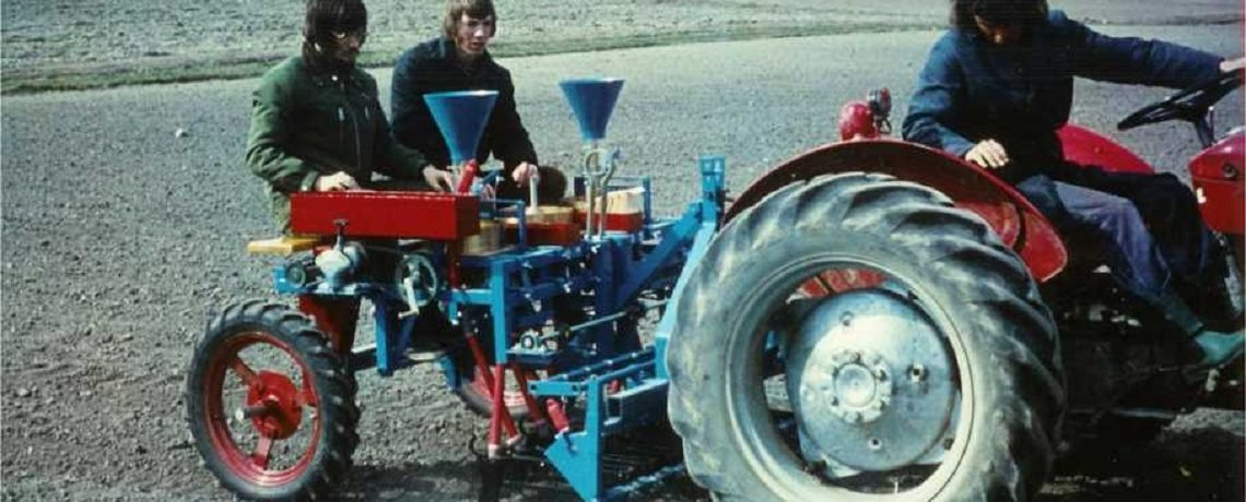 Øyjord's 2 x 4 rows tractor-mounted plot seeder